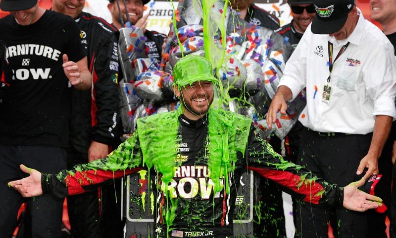 mencs-chicago-martin-truex-jr-slime-celebration-nascar-photo