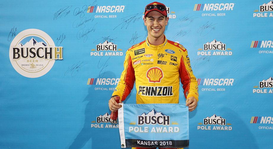 joey-logano-busch-pole-award-kansas1-922x502